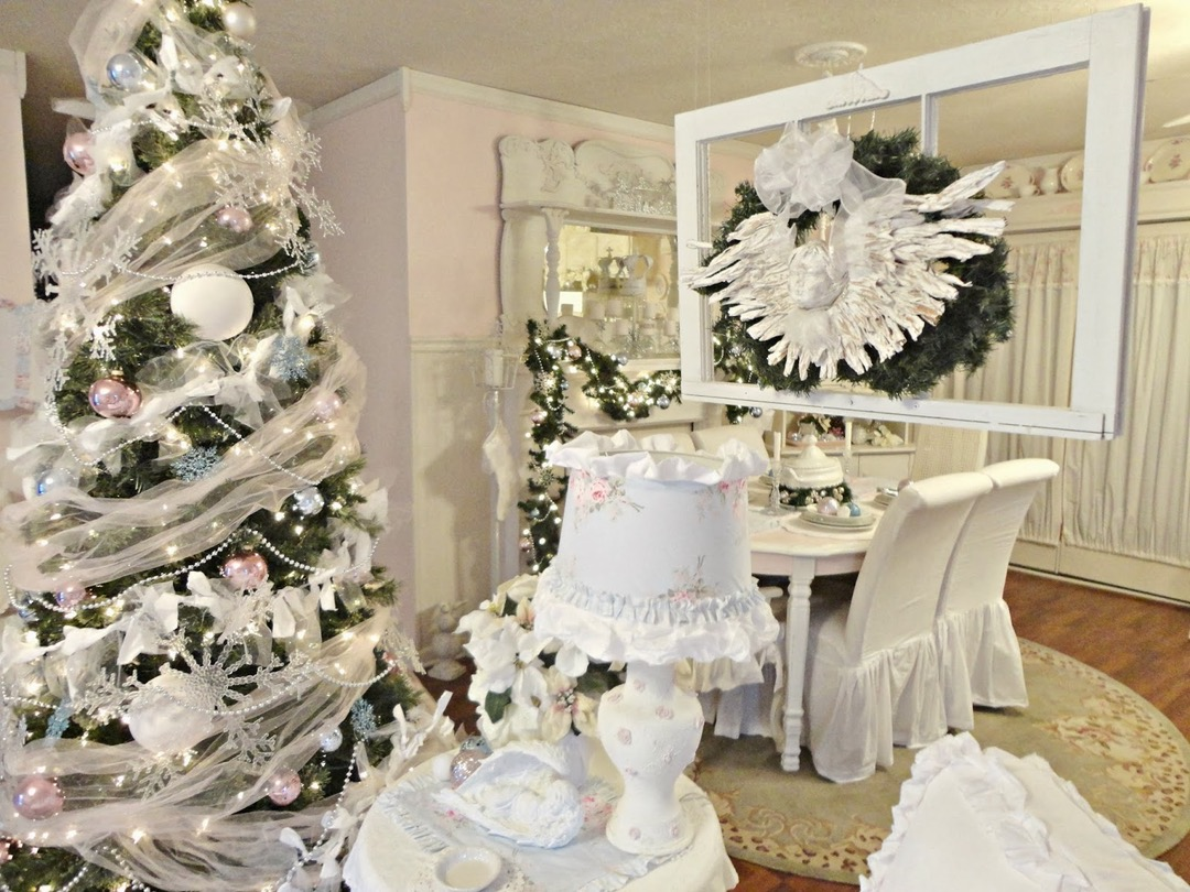 Finest Charming Romantic Christmas Decor Ideas
