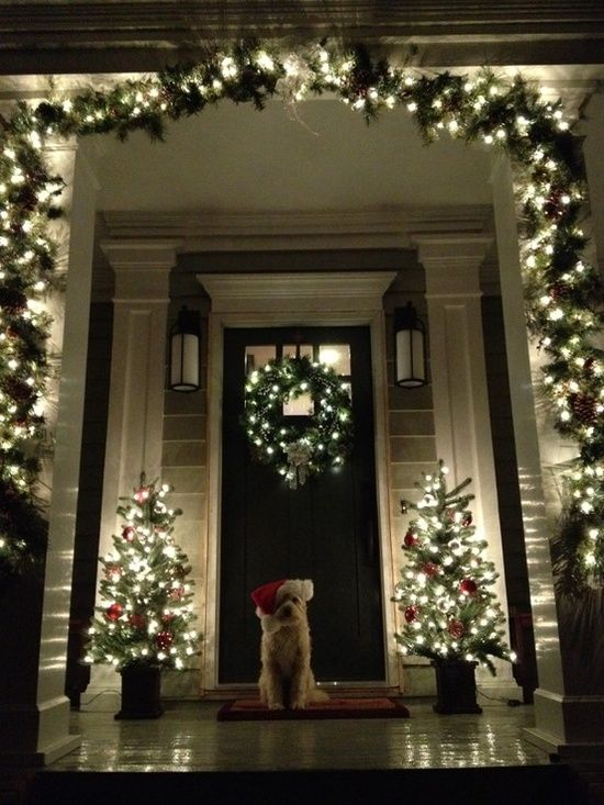 elegant and tasteful christmas porch decorating ideas