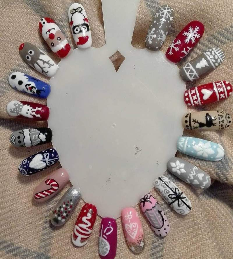Nail Designs For Christmas 2019.Best Christmas Nail Art Designs Ideas And Inspirations To