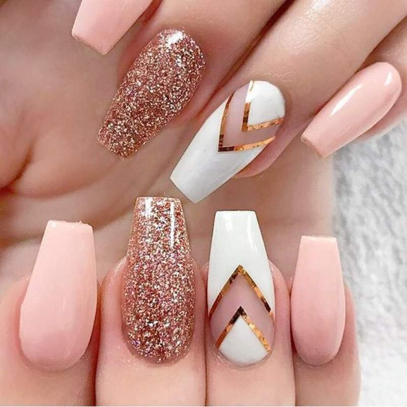 Acrylic Nails with Designs and cool ways to wear them , Hike