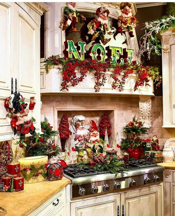 50 Warm And Hearty Christmas Kitchen Decorations Ideas