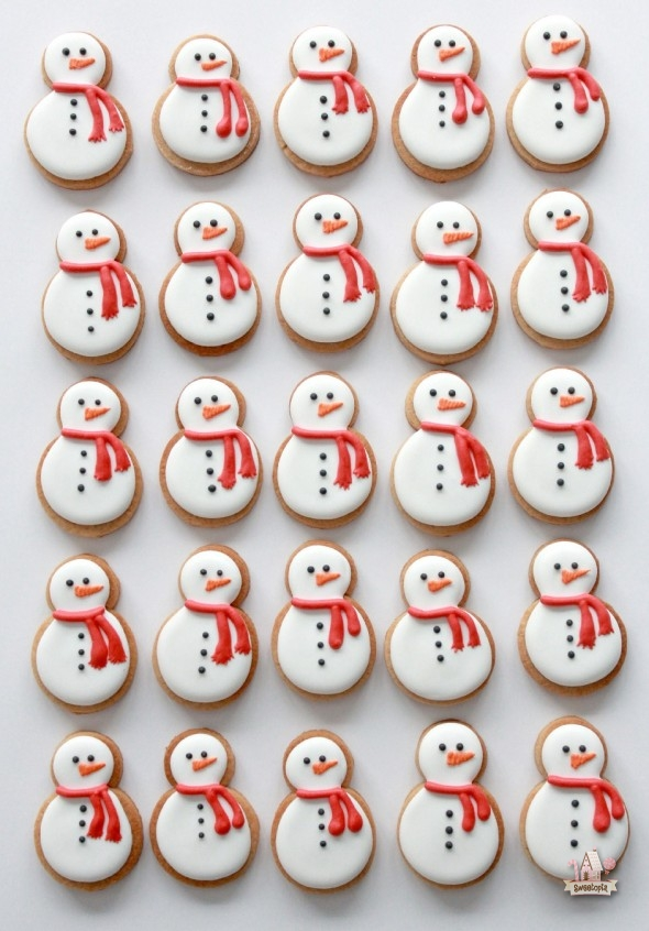 100 Christmas Cookies Decorations That Are Almost Too Pretty To Be